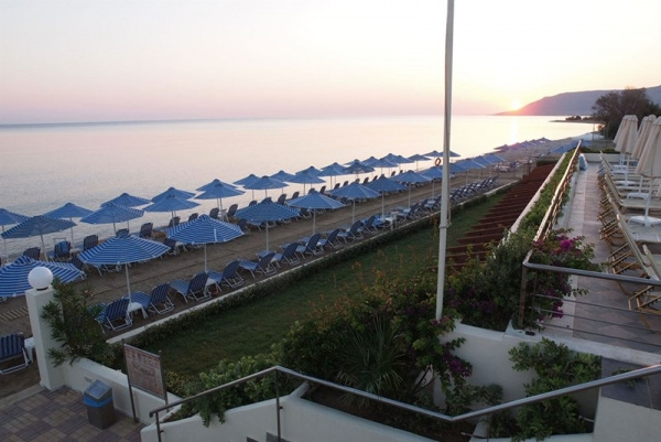 Hydramis Palace Beach Resort ****